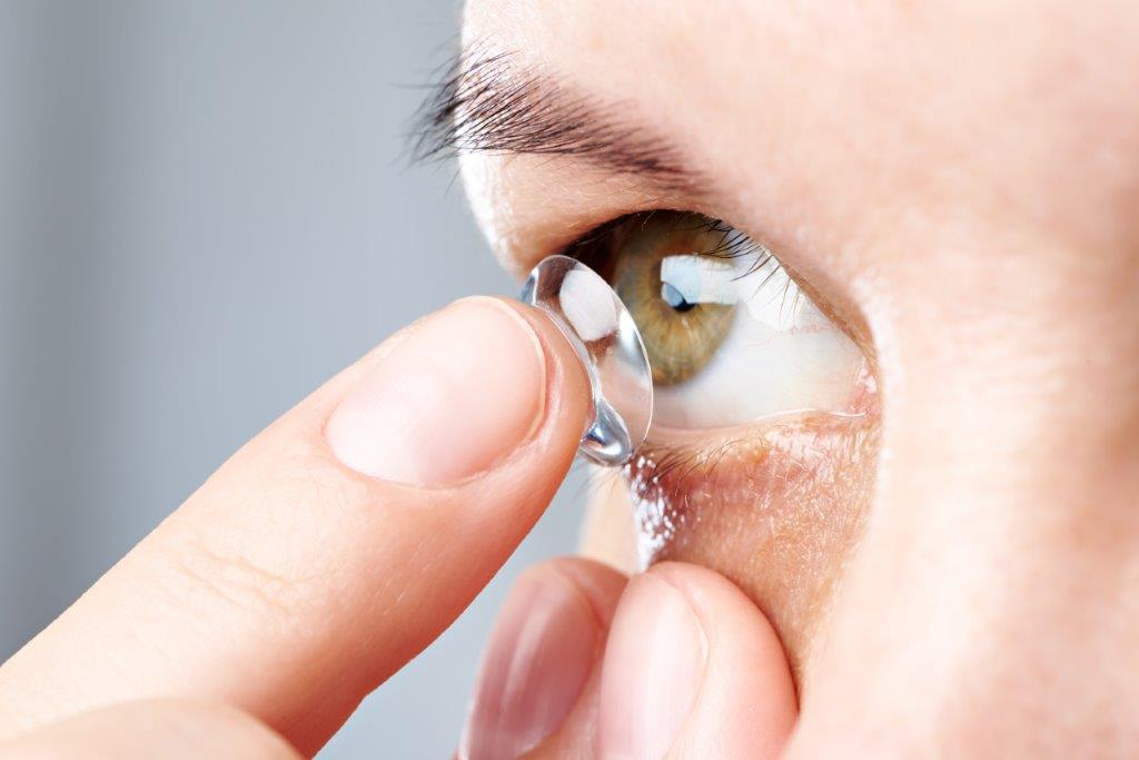Open days to highlight the different types and benefits of contact lenses